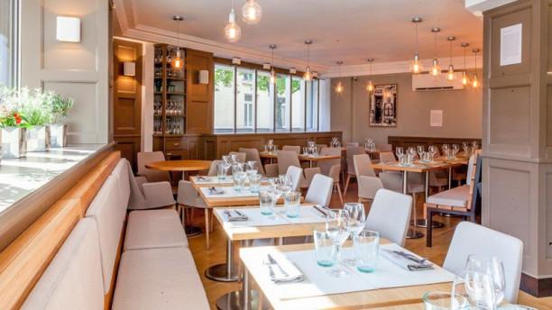 Passy  Etoile Restaurant