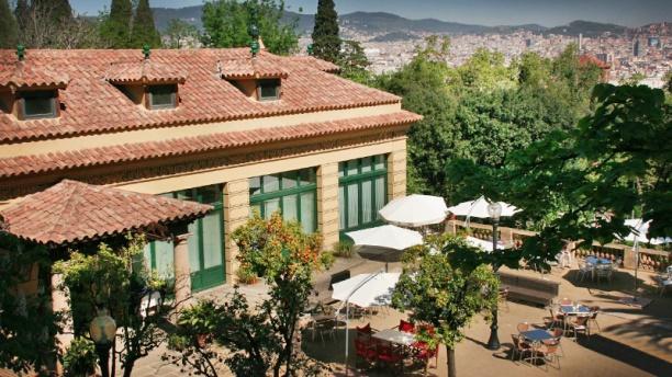 La Font del Gat vista fachada y terraza