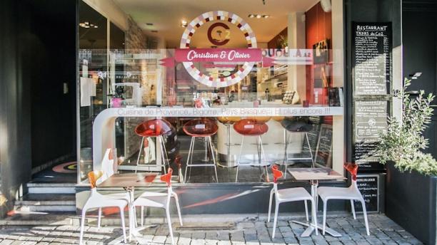 """Restaurant CO2 """"Christian & Olivier"""" Vue terrasse"""