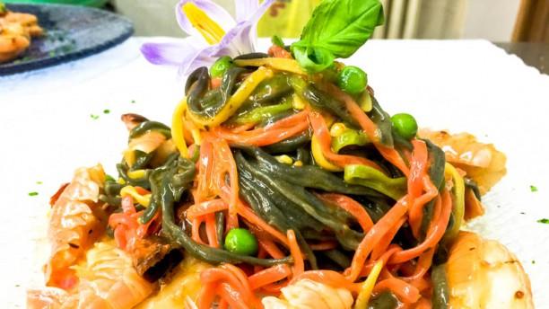 Ristorante La Verna tricolore con code di scampi siciliani piselli e datterino confit