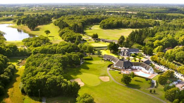 Club House du Golf - Resort Barrière La Baule Niché dans un cadre de verdure