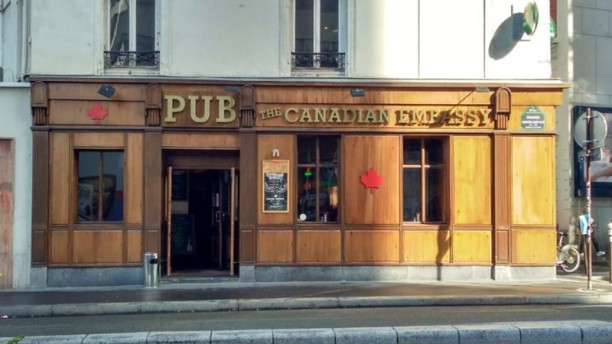 The Canadian Embassy Pub Devanture