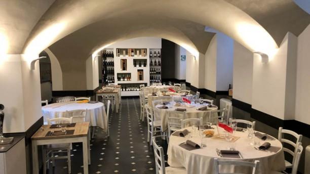 Le Cantine del Medi Genova Vue de la salle