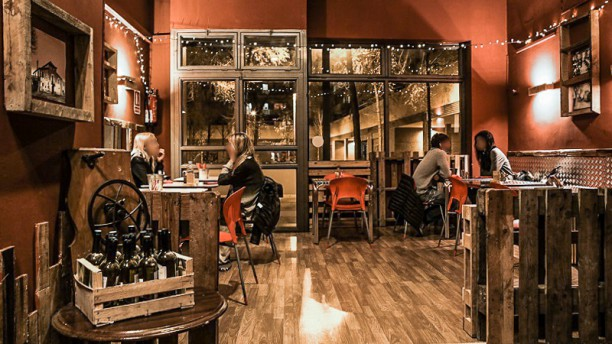 Rancho Burger, Food & Music Vista interior