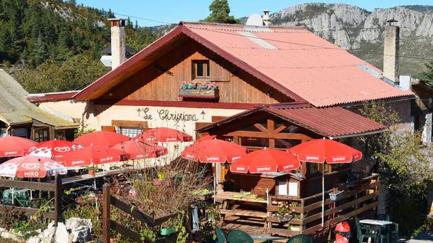 Le Christiana - Chez Huguette Restaurant
