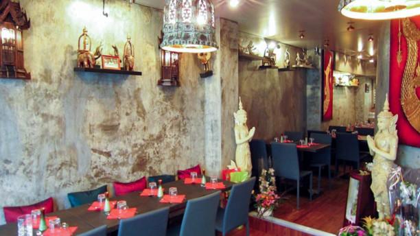Paya tha voltaire restaurant 47 rue richard lenoir for 4 rue richard lenoir 75011 paris france
