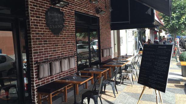 Manhattan Resto Burger Terrasse