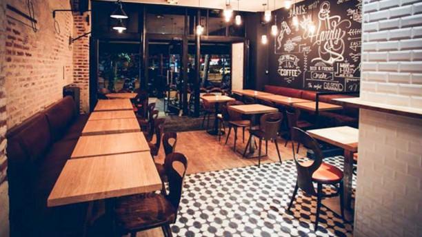 Hardy restaurant 44 boulevard voltaire 75011 paris for Garage oberkampf parking