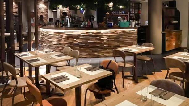 Nimeta Lounge Bar & Restaurant Sala