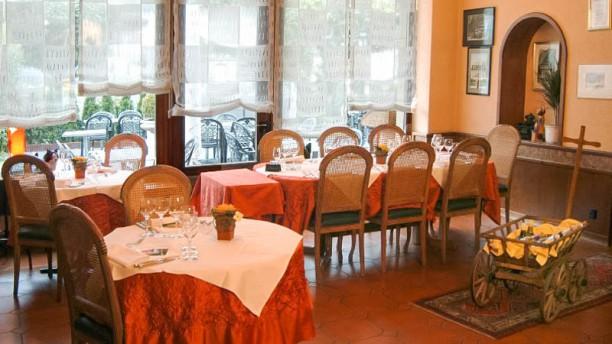 Café-Restaurant de la Gare Vue de la salle