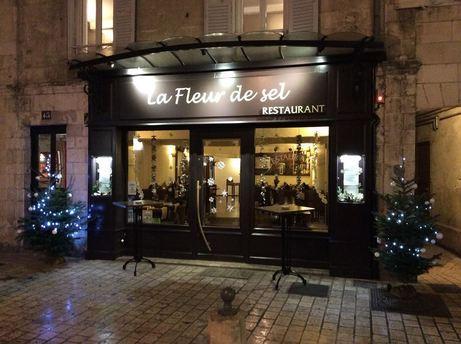 La fleur de sel restaurant 45 rue saint jean du p rot 17000 la rochelle adresse horaire - Restaurant l huitre y est port des barques ...