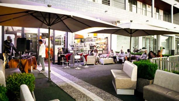 Insolito White & Red Pranzo Cena Paninoteca Bar La entrata