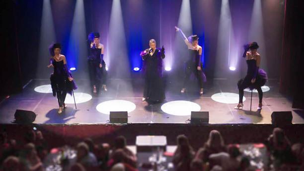 Cabaret Breizh Paradise apreçu de l'intérieur