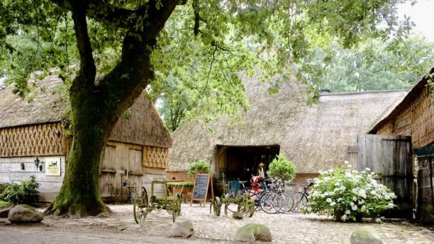 't Hoes van Hol-An Ingang