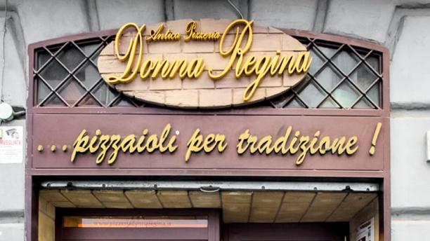 Antica Pizzeria Donna Regina entrata