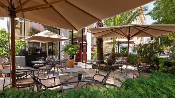 Le Bistrot de Panisse - Holiday Inn Nice La terrasse
