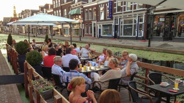 Kevin's Grand Café & Restaurant Terrasboot
