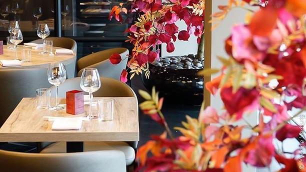 THE RED SUN Het restaurant