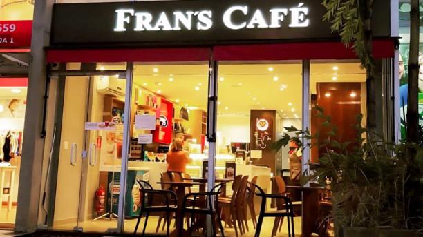 Frans Café (Santana) Entrada