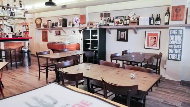 Hacienda Garage Vista sala