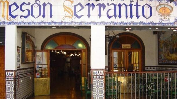 Mesón Serranito Alfonso XII Vista de la fachada