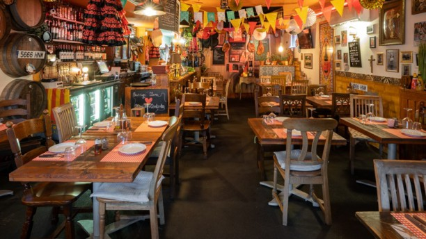 Aqui Tato Rico- tapas y vino Restaurant