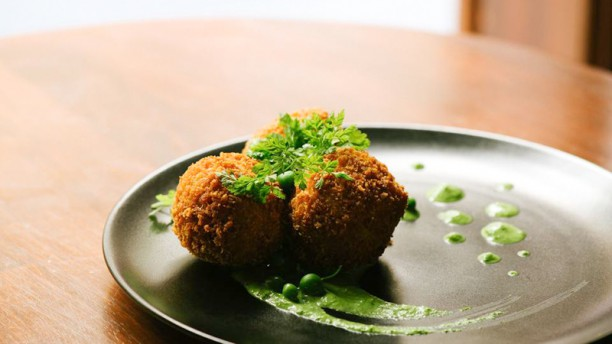 Mumbai caf restaurant 6 rue sainte catherine 69001 for 9 rue du jardin des plantes 69001 lyon