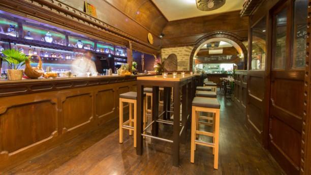 Mumbai Café Vues de la salle