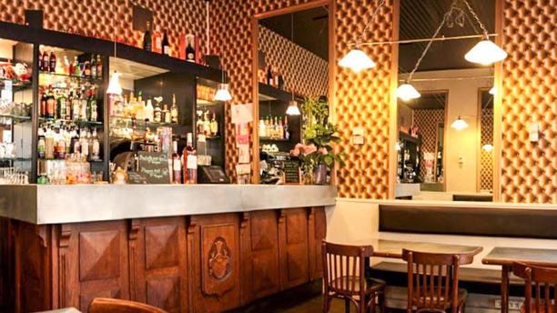 Café des Antiquaires Vue de la salle