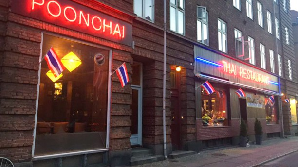 Poonchai 1 Thai Restaurant Ingång