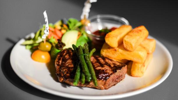 Babila Hostel & Bistrot. Angus steak