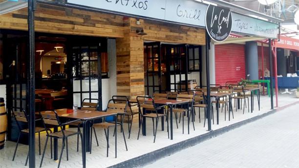 La Cova pintxos tapas and grill Terraza