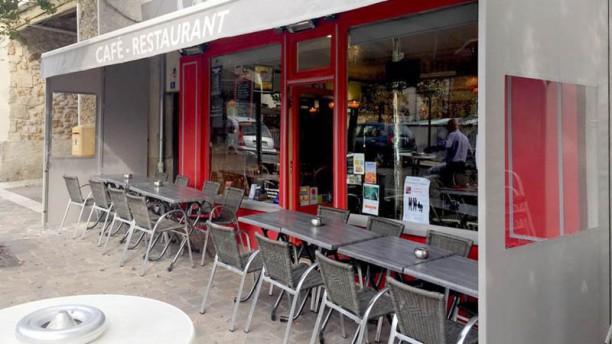 Le Cafe des Sports Terrasse