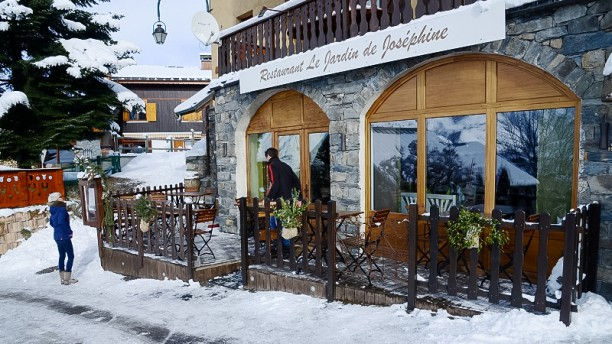 Le jardin de jos phine in saint martin de belleville for Le jardin domont restaurant