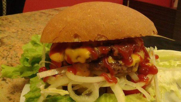 Hola Que Tal ricco hamburger