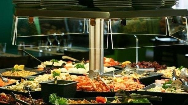 Les Pieds sous la Table Vue du buffet