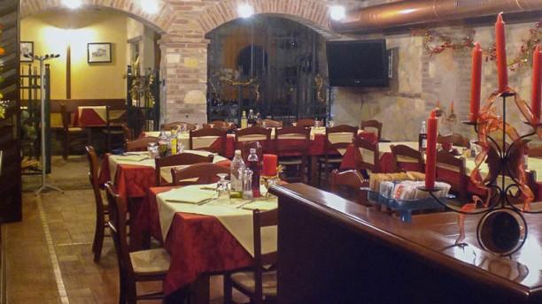 "Enoteca dai Zimbo (da Silvia e Dorino) sala ristorante ""taverna"""