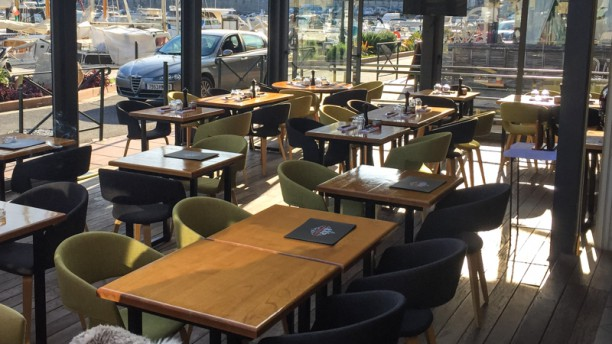 LVP Cafe Vue de la salle intérieure