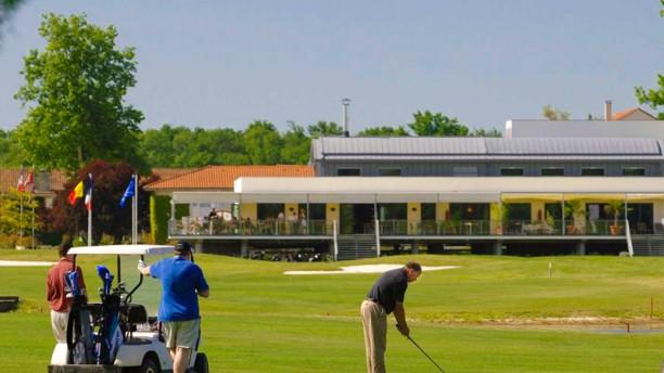 La Brasserie du Golf - Hôtel Relais de Margaux Terrasse et jardin