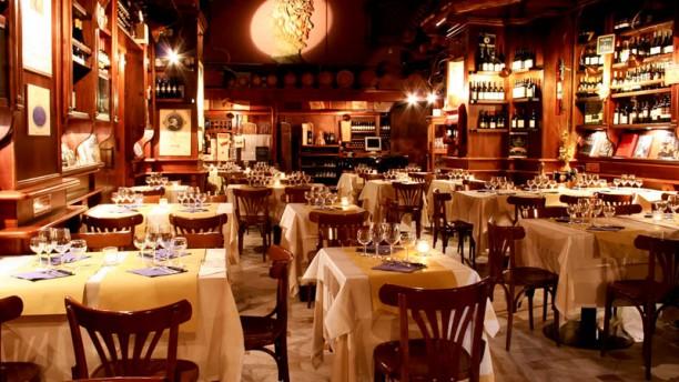 Enoteca e taverna Capranica sala