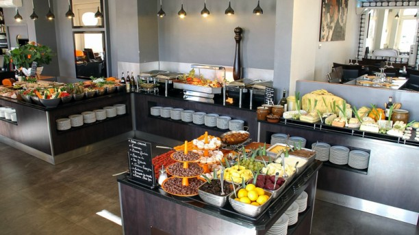 Club house vieux port in marseille restaurant reviews - Restaurant libanais vieux port marseille ...