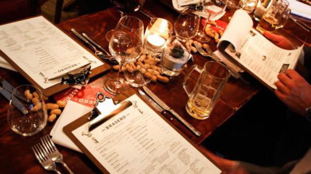 Café Brasero Steak & Grill Detail van de tafel