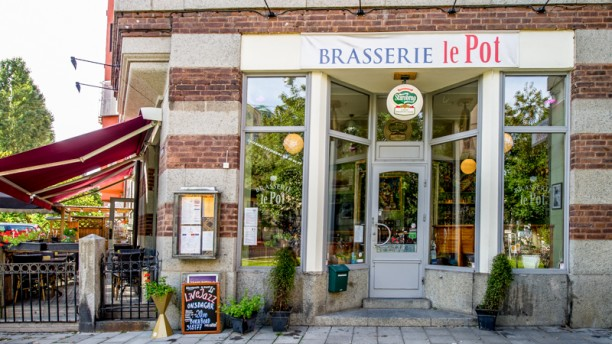 Brasserie le pot entrance