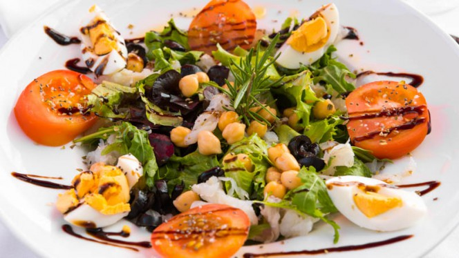 Salada de bacalhau - Avenida 830, Porto