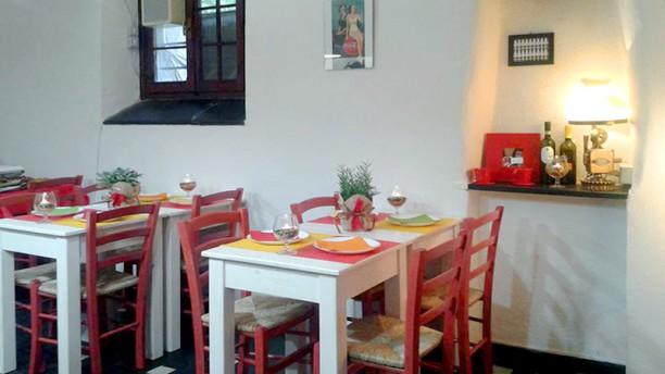 Restaurant mastrovini cogoleto enoteca con cucina - Sala con cucina a vista ...