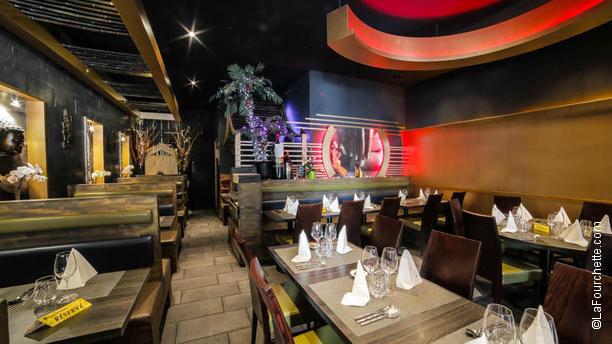 basilic spice restaurant 88 avenue de choisy 75013. Black Bedroom Furniture Sets. Home Design Ideas