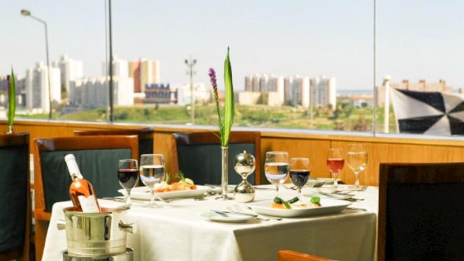 Navegadores ristorante contemporaneo a Lisbona in Portogallo