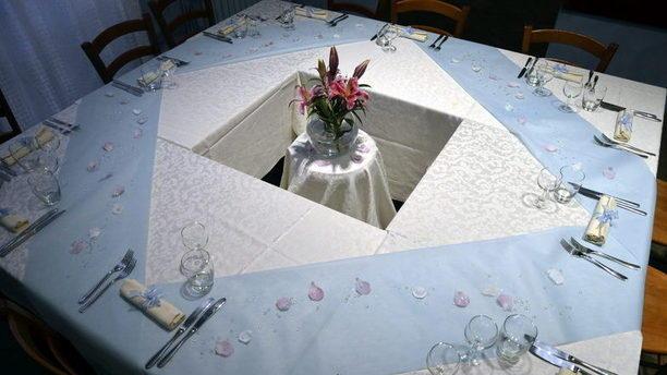 Manzoni Corner Tavola