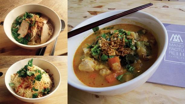 Manufacture 111 Soupes thai et mi, riz sauté