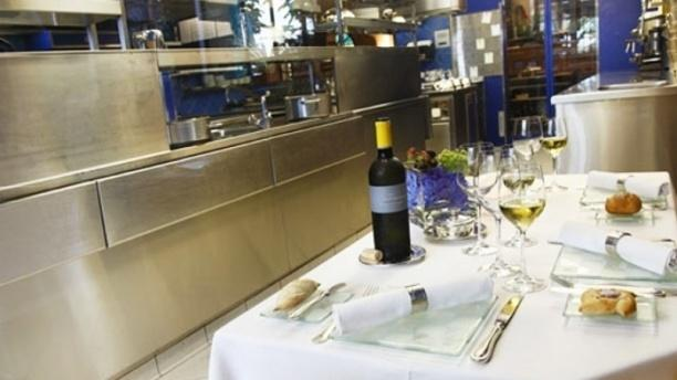 Domaine de Châteauvieux - La Table d'Hôtes Table dressée